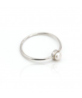 Simple ring with its white...